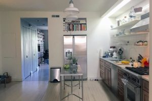 kitchen, white, stainless steel, appliances, subway tile, wood floors, warren street, hudson, ny, for rent, rental, nicole vidor, real estate, realty, realtor
