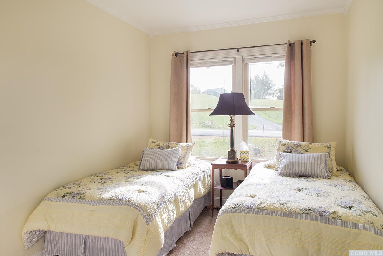 Country Cottage Bedrooms Model Property country cottage with 2 bedrooms, views and pond - nicole vidor