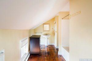 hudson ny apartment, upstairs, en suite bathroom, wood floors