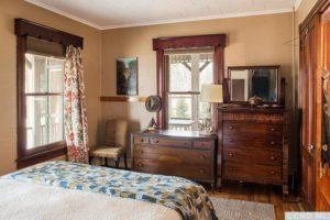 bungalow, master bedroom, large windows, nicole vidor, real estate, reator